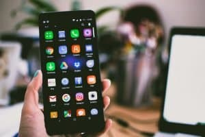 7 best android smartphone for students in India